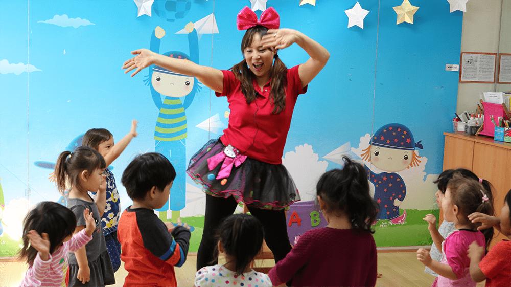 AJ teaching-1sm - Musical English - early childhood learning program